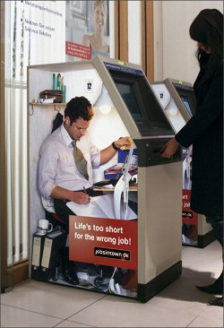 Jobs in Town Advertising (Bankautomat)